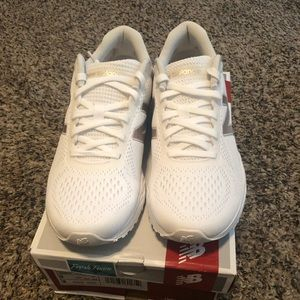 New Balance sneakers, 9M, white